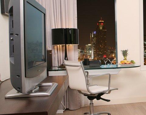 Crowne Plaza City Center Tel Aviv - Working Desk Club room