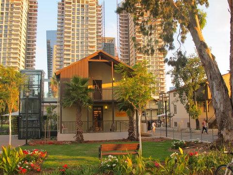 Crowne Plaza City Center Tel Aviv - Sarona  the Templars neigborhood