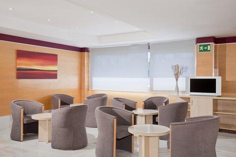 Holiday Inn Express Alcobendas Hotel - Bar and Lounge