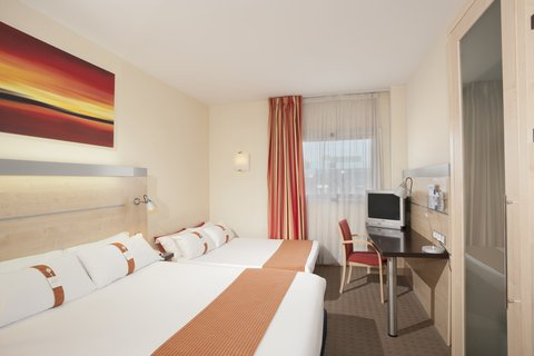 Holiday Inn Express Alcobendas Hotel - Family Room  Max  2 adults and 2 children up to 18 or 3 adults