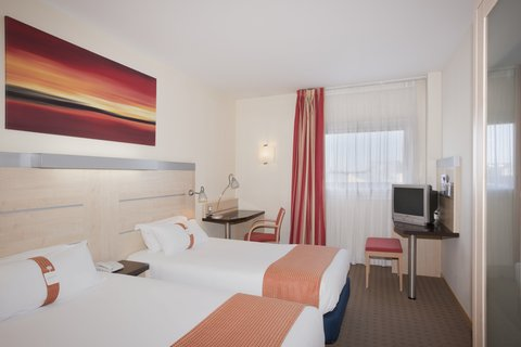 Holiday Inn Express Alcobendas Hotel - Twin Bed Guest Room