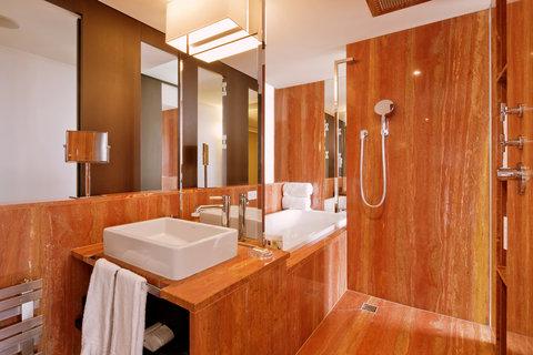 انتركوتيننتال جنيف - Bathroom in an Executive Junior Suite Lake  View