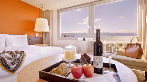 انتركوتيننتال جنيف - Enjoy every night with a choice of Swiss chocolates and wines