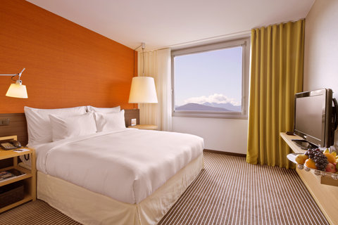 انتركوتيننتال جنيف - Bedroom in a Deluxe Suite with Lake View