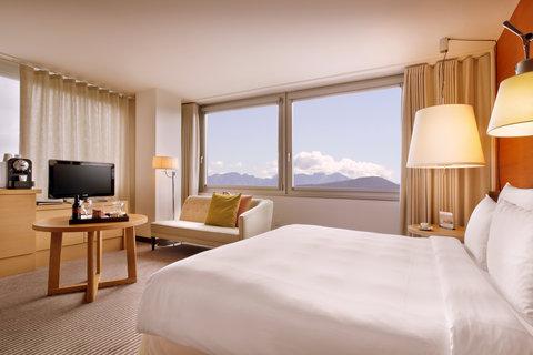 انتركوتيننتال جنيف - A spacious Executive Junior Suite with Lake Geneva View