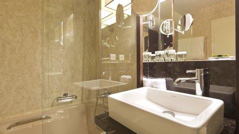 انتركوتيننتال جنيف - Bathroom in an Executive Geneva Suite