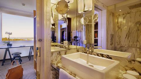 انتركوتيننتال جنيف - Bathroom in an Executive Junior Suite