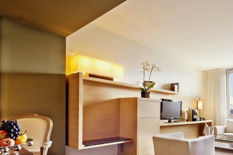 انتركوتيننتال جنيف - Living Room in an Executive Geneva Suite