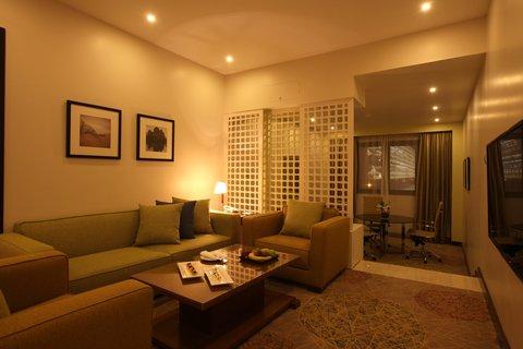 فندق هوليدي ان - Suite