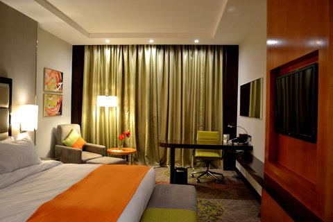 هوليداي إن بوابة جدة - King Bed Guest Room
