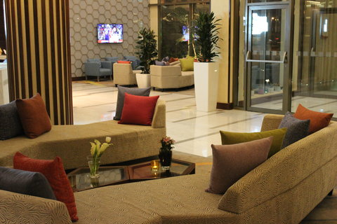 هوليداي إن بوابة جدة - Hotel Lobby