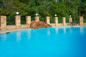 Pool - Holiday Inn Express Hotel & Suites South Lufkin