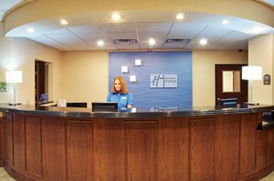 Lobby - Holiday Inn Express Hotel & Suites South Lufkin