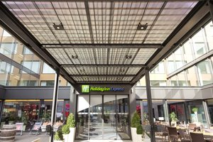 Holiday Inn Express Zurich Airport Hotel Entrance