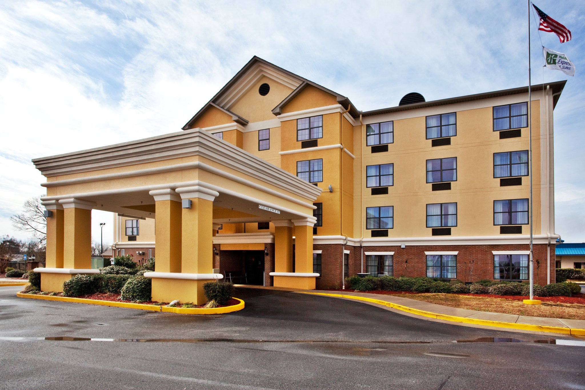 Holiday Inn Express Byron
