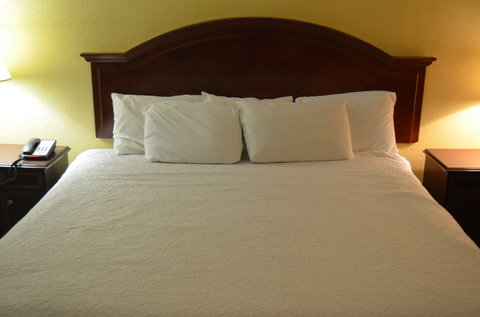 McLure City Center Hotel - Standard King Bed