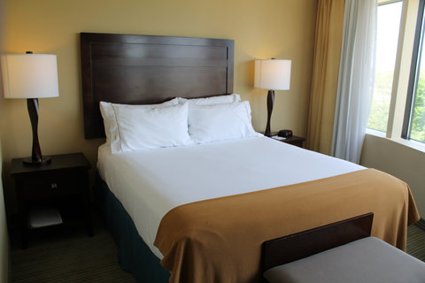 Holiday Inn Express WATERLOO-CEDAR FALLS - One Queen Bed Guest Room w Keurig machine and refrigerator