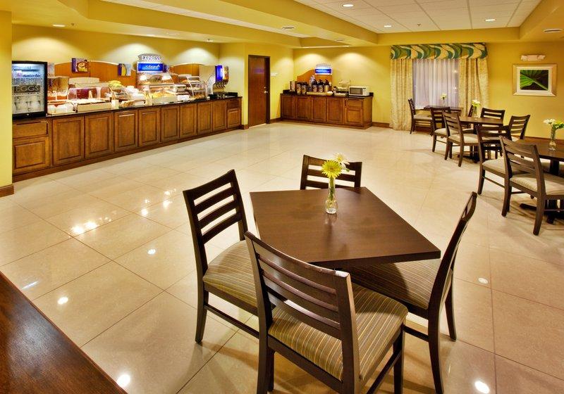 Holiday Inn Express WATERLOO-CEDAR FALLS - Waterloo, IA