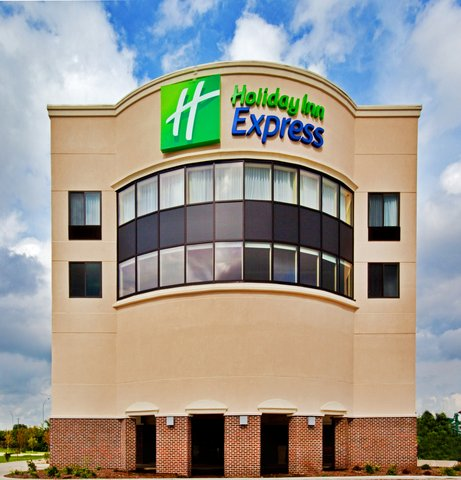 Holiday Inn Express WATERLOO-CEDAR FALLS - We offer 79 spacious  modern rooms