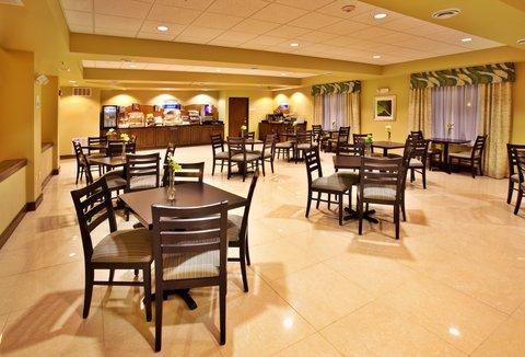 Holiday Inn Express WATERLOO-CEDAR FALLS - Complimentary evening reception Mon-Thurs from 5-7 PM