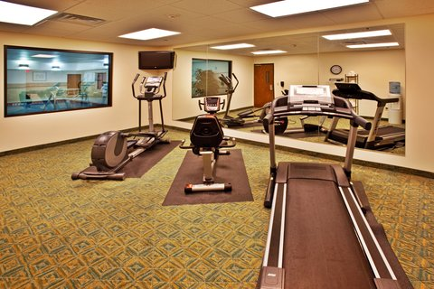 Holiday Inn Express WATERLOO-CEDAR FALLS - Workout in our spacious fitness center