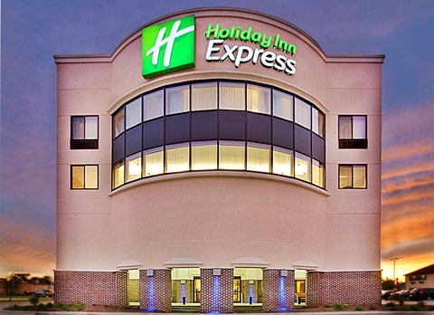 Holiday Inn Express WATERLOO-CEDAR FALLS - Only 7 mles from the Waterloo Regional Airport