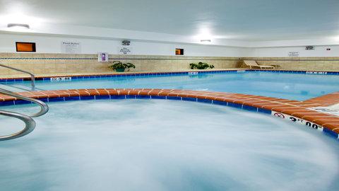 Holiday Inn Express WATERLOO-CEDAR FALLS - Unwind in our whirlpool at the Holiday Inn Express Waterloo