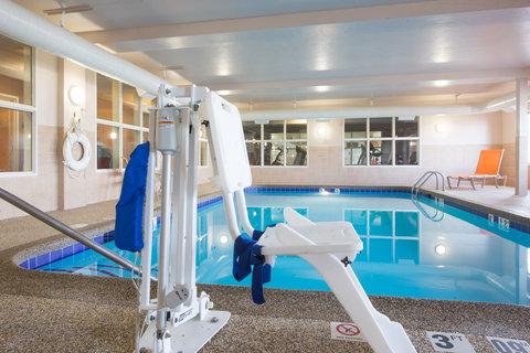 Holiday Inn Express & Suites DOUGLAS - Swimming Pool