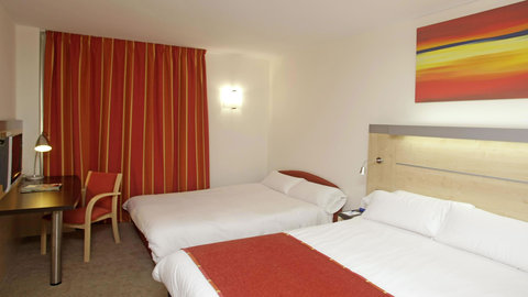 Exp By Holiday Inn Malaga Arpt - Double Bed Guest Room