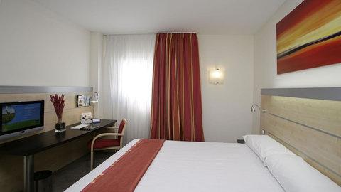Exp By Holiday Inn Malaga Arpt - Guest Room