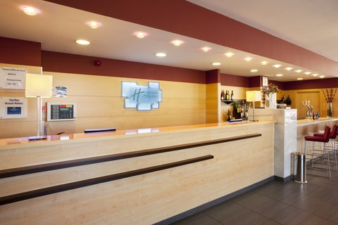 Exp By Holiday Inn Malaga Arpt - Front Desk
