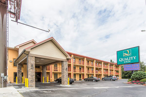 quality inn parkway pigeon forge tn see discounts. Black Bedroom Furniture Sets. Home Design Ideas