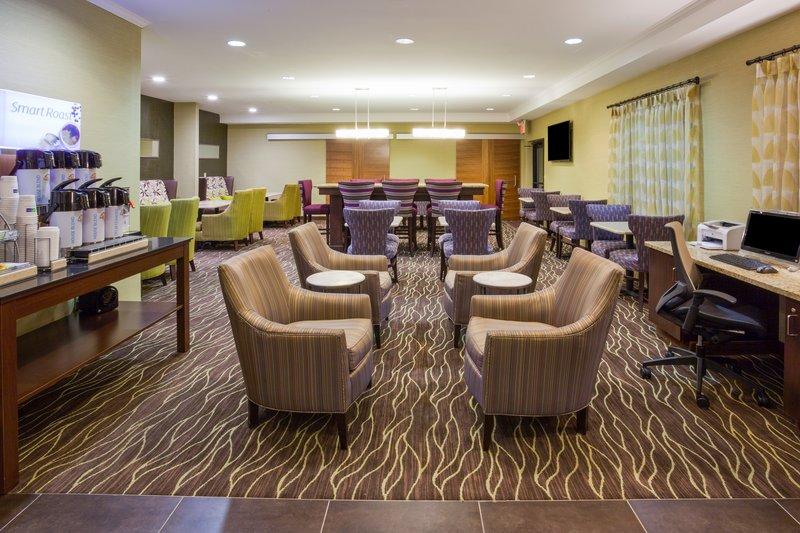 Holiday Inn Express & Suites ST. PAUL - WOODBURY - Saint Paul, MN