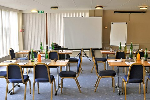 Eight Acres Hotel - Elgin Meeting Room