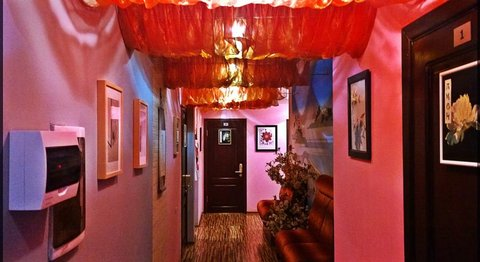 Sakura Hotel - Interior