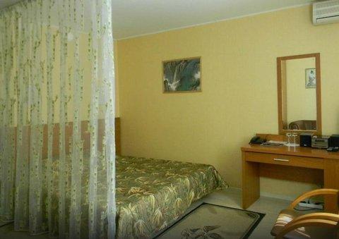 Sakura Hotel - Bamboo Room