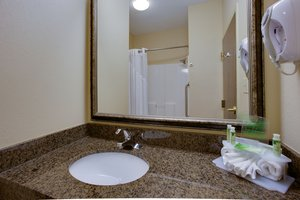 Room - Holiday Inn Express Hotel & Suites Columbia
