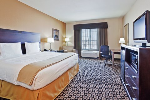 Holiday Inn Express Hotel & Suites Clovis - King Bed Guest Room