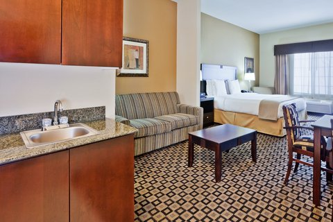 Holiday Inn Express Hotel & Suites Clovis - Suite