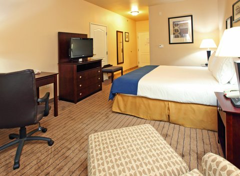 Holiday Inn Express & Suites MARSHALL - King Bed Guest Room
