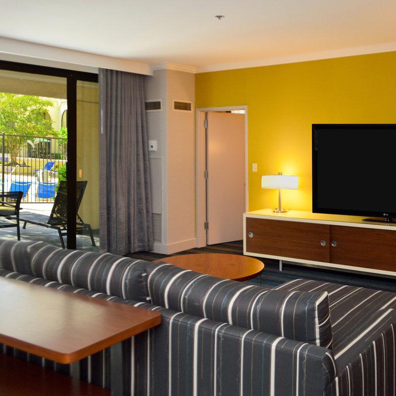 DoubleTree by Hilton Hotel Newark - Fremont - Newark, CA