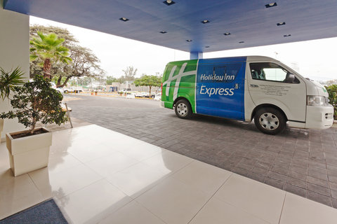 Holiday Inn Express GUADALAJARA ITESO - Catch a ride on our Transportation Van