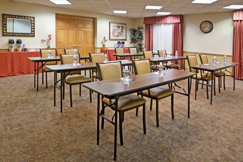 Holiday Inn Express MURRYSVILLE-DELMONT - Mount Pleasant, PA