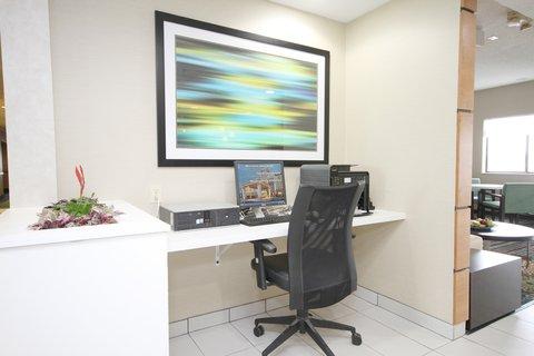 Holiday Inn Express ADRIAN - Business Center