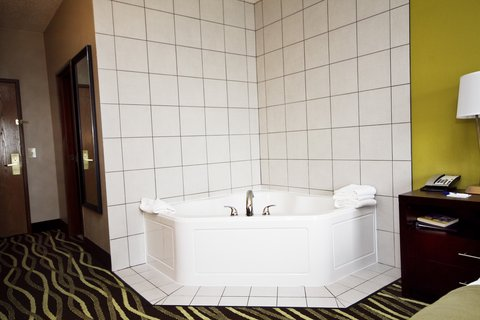 Holiday Inn Express ADRIAN - Jacuzzi Suite