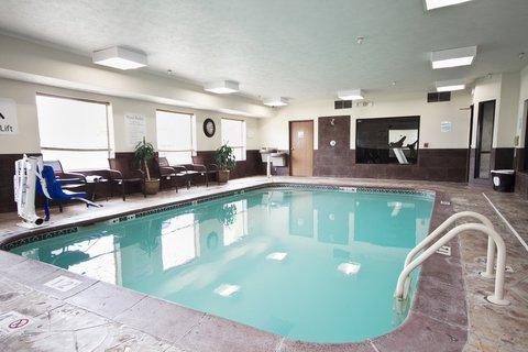 Holiday Inn Express ADRIAN - Swimming Pool