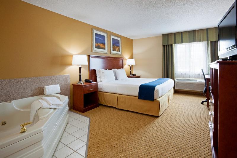 Holiday Inn Express SHEBOYGAN-KOHLER (I-43) - Sheboygan, WI