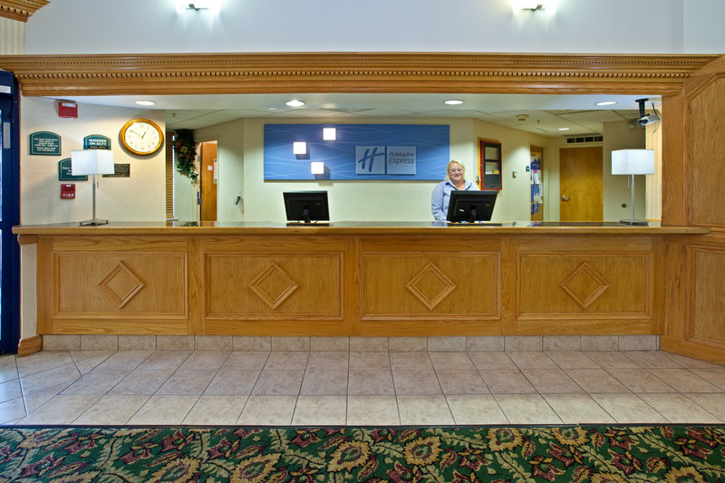 HOLIDAY INN EXP STES SCOTTSBURG