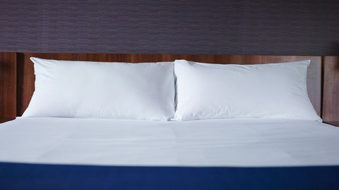 Holiday Inn Express DUBLIN AIRPORT - Guest Room