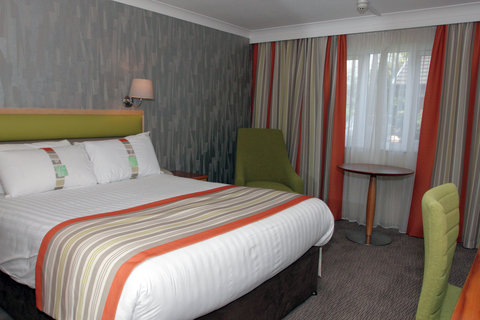 Holiday Inn A55 CHESTER WEST - Double Room with Free WiFi  Freeview and Sky Sports TV